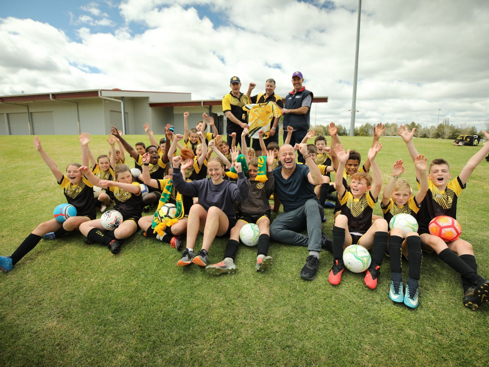 Adam tries his hand at coaching the Mudgee Gulgong Wolves