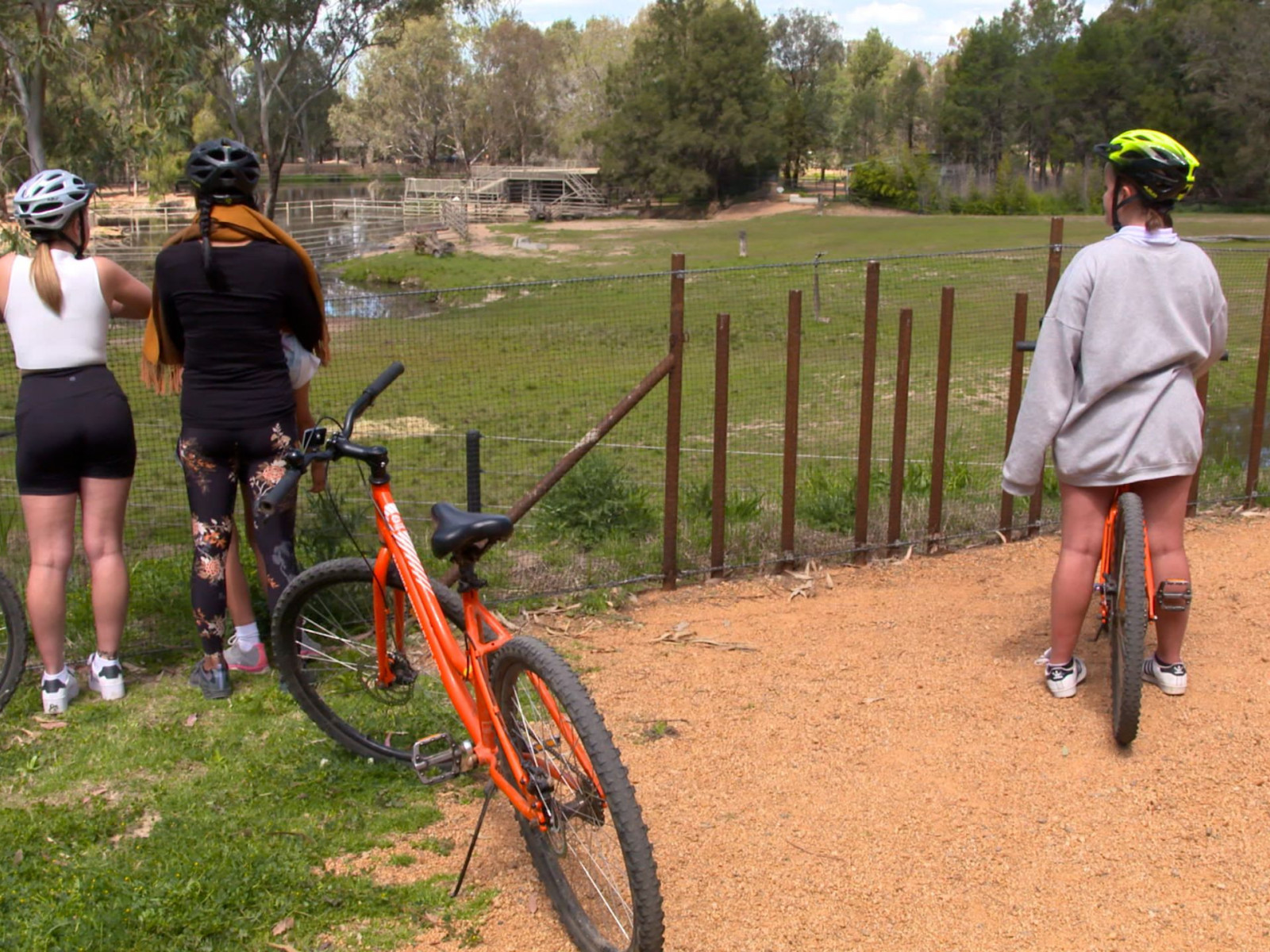 Pitstop while cycling at Taronga Western Plains Zoo